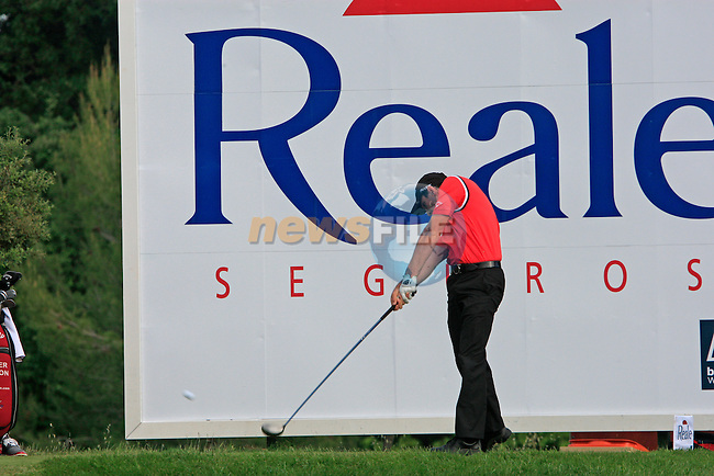 Oliver Wilson (ENG) tees off on the 17th tee during Day 1 of the Open de Espana at Real Club De Golf El Prat, Terrasa, Barcelona, 5th May 2011. (Photo Eoin Clarke/Golffile 2011)