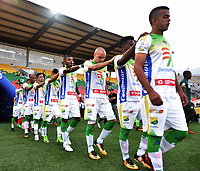 IBAGUÉ - COLOMBIA, 03-03-2018: Jugadores del Atlético Huila ingresan al campo de juego previo al encuentro con La Equidad por la fecha 6 de la Liga Águila I 2018 jugado en el estadio Manuel Murillo Toro de la ciudad de Ibagué. / Players of Atletico Huila go inside the field prior the first leg match against La Equidad for date 6 of the Aguila League I 2018 played at Manuel Murillo Toro stadium in Ibague city. Photo: VizzorImage / Juan Carlos Escobar / Cont