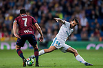 Daniel Ceballos Fernandez, D Ceballos (r), of Real Madrid fights for the ball with Ander Capa Rodriguez of SD Eibar during the La Liga 2017-18 match between Real Madrid and SD Eibar at Estadio Santiago Bernabeu on 22 October 2017 in Madrid, Spain. Photo by Diego Gonzalez / Power Sport Images
