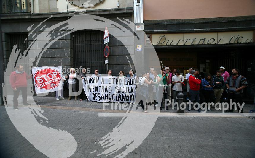 Members of Tenerife ati-eviction platform protest
