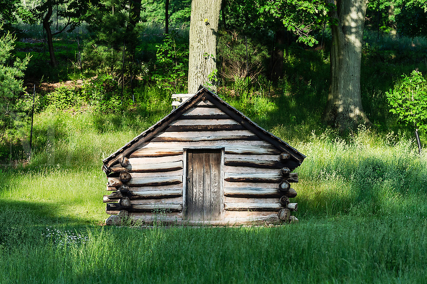 Log cabin used by Washington's troops at Valley Forge, Pennsylvania, USA
