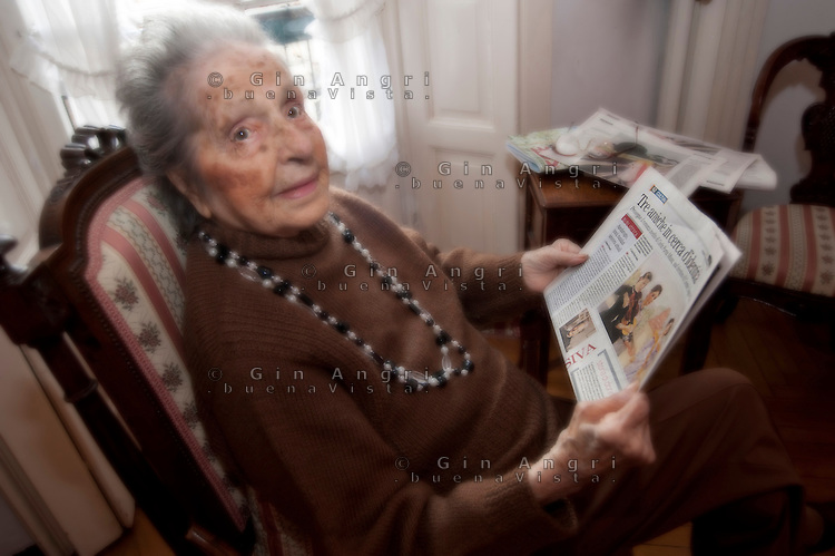 """Carla Porta Musa, scrittrice, è nata a Como nel 1902 e quest'anno a Marzo compie 108 anni.. Per questa occasione uscirà il suo ultimo romanzo """"Tre Zitelle"""""""