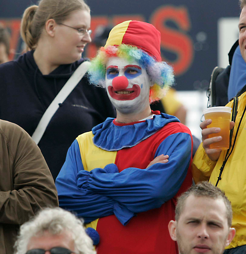 Photo: Peter Phillips..England v Australia. nPower Test Match Series, The Ashes 3rd Test. 13/08/2005..An Australian clown has come to see the test match
