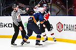 Stockholm 2014-09-05 Ishockey CHL Djurg&aring;rdens IF - Eisb&auml;ren Berlin :  <br /> Djurg&aring;rdens Mikael Ahl&eacute;n i slagsm&aring;l med Eisb&auml;ren Berlins Darin Olver <br /> (Foto: Kenta J&ouml;nsson) Nyckelord:  Djurg&aring;rden Hockey Hovet CHL Eisb&auml;ren Berlin slagsm&aring;l br&aring;k fight fajt gruff