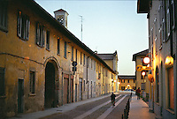 Cusago, piccolo paese presso Milano. Verso sera --- Cusago, small village near Milan. The evening