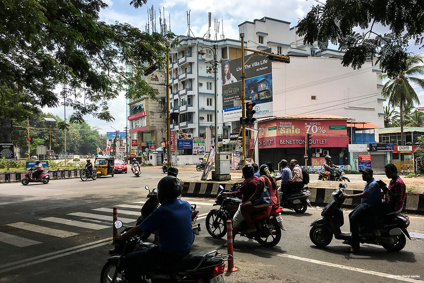Roads normally bustling, there was minimal people and traffic due to a political protest that blocked main thoroughfares and closed all businesses in Thiruvananthapuram, India,  June 8, 2017   (Cellphone Photo by Cheryl Senter)