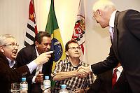 SÃO PAULO, SP - 30.07.2013:POSSE DO SUPERINTENTENTE DA SRTE/SP - Paulinho da força e Eduardo Suplicy durante a posse de Luiz Antônio de Medeiros como superintendente da SRTE/SP. (Foto: Marcelo Brammer/Brazil Photo Press)