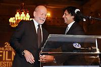 PHILADELPHIA, PA - OCTOBER 26: Bruce Willis receives the 2nd annual Luminere Award from M. Night Shyamalan at the 26th Philadelphia Film Festival at AKA Washington Square in Philadelphia, Pa on October 26, 2017  Credit: Star Shooter/MediaPunch /NortePhoto.com