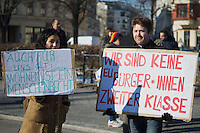 Bis zu 1.000 Menschen beteiligten sich am Samstag den 16. März 2013 in Berlin-Kreuzberg an einer Demonstration gegen steigende Mieten, Vertreibung und Zwangsräumungen.<br />16.3.2013, Berlin<br />Copyright: Christian-Ditsch.de.[Inhaltsveraendernde Manipulation des Fotos nur nach ausdruecklicher Genehmigung des Fotografen. Vereinbarungen ueber Abtretung von Persoenlichkeitsrechten/Model Release der abgebildeten Person/Personen liegen nicht vor. NO MODEL RELEASE! Don't publish without copyright Christian-Ditsch.de, Veroeffentlichung nur mit Fotografennennung, sowie gegen Honorar, MwSt. und Beleg. Konto:, I N G - D i B a, IBAN DE58500105175400192269, BIC INGDDEFFXXX, Kontakt: post@christian-ditsch.de<br />Urhebervermerk wird gemaess Paragraph 13 UHG verlangt.]