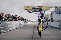 (the just turned 18) Tom Pidcock (GBR/U23/Telenet Fidea Lions) impressively wins the U23 race and celebrates with a post-finish wheelie <br /> <br /> UCI cyclocross World Cup Koksijde / Belgium 2017