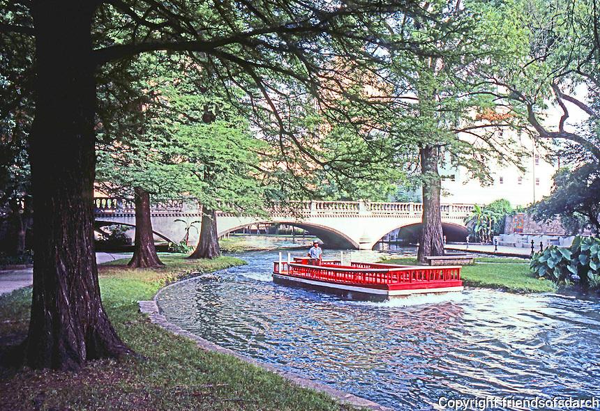 San Antonio:  Paseo del Rio, Boat.  Photo '80.