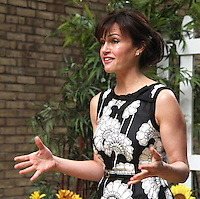 NEW YORK,NY - July 19, 2012: Carla Gugino on Live! with Kelly filming the Grilling with the Stars segment. New York City. © RW/MediaPunch Inc. /*NORTEPHOTO.com* **SOLO*VENTA*EN*MEXICO** **CREDITO*OBLIGATORIO** *No*Venta*A*Terceros* *No*Sale*So*third* ***No*Se*Permite*Hacer Archivo***No*Sale*So*third*©Imagenes*