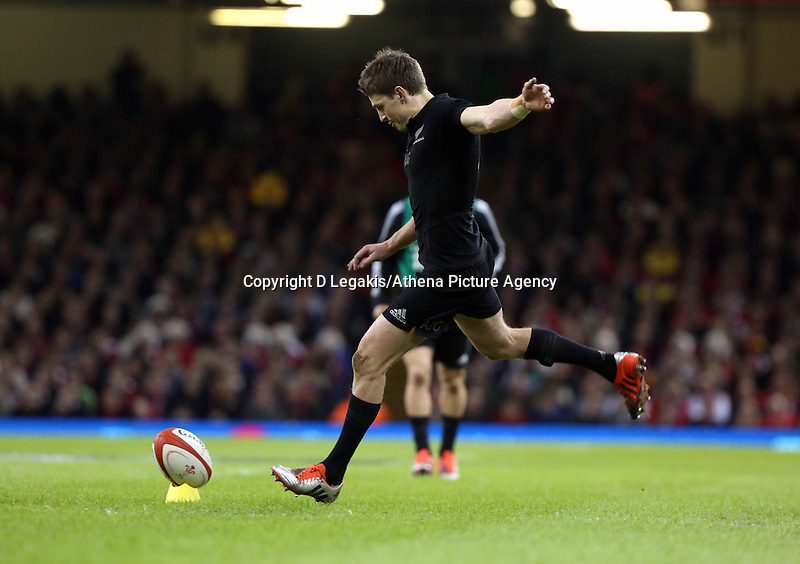 Pictured: Beauden Barrett of New Zealand takes a penalty kick Saturday 22 November 2014<br />