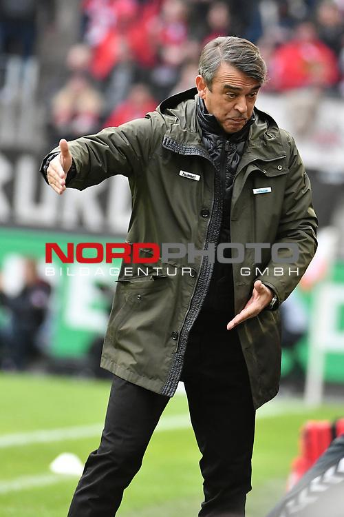01.12.2018, RheinEnergieStadion, Koeln, GER, 2. FBL, 1.FC Koeln vs. SpVgg Greuther Fürth,<br />  <br /> DFL regulations prohibit any use of photographs as image sequences and/or quasi-video<br /> <br /> im Bild / picture shows: <br /> Trainer / Headcoach Damir Burić (Fuerth), regt sich heftig auf, Gestik, Mimik,   <br /> <br /> Foto © nordphoto / Meuter