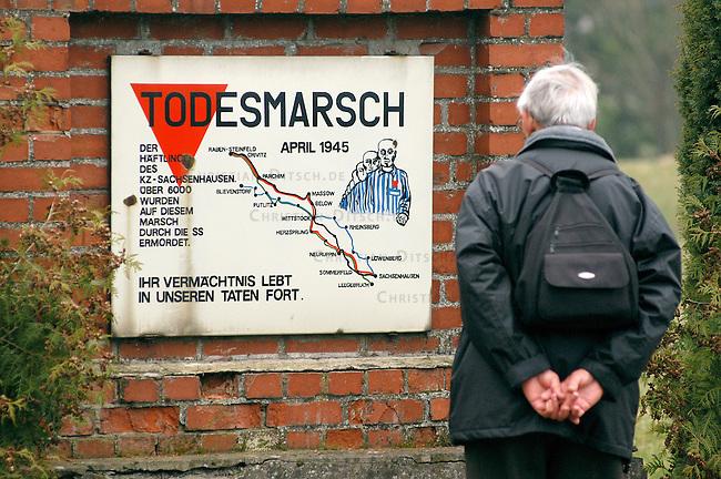 Gedenkstein fuer auf dem sogenannten &quot;Todesmarsch&quot; ermordeten und umgekommenen Haeftlinge des Konzentrationslager Sachsenhausen.<br /> 6000 Haeftlinge wurden im April 1945 von der SS auf diese Weise ermordet. Die SS versuchte mit diesem &quot;Todesmarsch&quot; die Befreiung der Haeftlinge durch die anrueckenden Truppen der Roten Armee zu verhindern.<br /> 27.3.2005, Fretzdrof<br /> Copyright: Christian-Ditsch.de<br /> [Inhaltsveraendernde Manipulation des Fotos nur nach ausdruecklicher Genehmigung des Fotografen. Vereinbarungen ueber Abtretung von Persoenlichkeitsrechten/Model Release der abgebildeten Person/Personen liegen nicht vor. NO MODEL RELEASE! Nur fuer Redaktionelle Zwecke. Don't publish without copyright Christian-Ditsch.de, Veroeffentlichung nur mit Fotografennennung, sowie gegen Honorar, MwSt. und Beleg. Konto: I N G - D i B a, IBAN DE58500105175400192269, BIC INGDDEFFXXX, Kontakt: post@christian-ditsch.de<br /> Bei der Bearbeitung der Dateiinformationen darf die Urheberkennzeichnung in den EXIF- und  IPTC-Daten nicht entfernt werden, diese sind in digitalen Medien nach &sect;95c UrhG rechtlich geschuetzt. Der Urhebervermerk wird gemaess &sect;13 UrhG verlangt.]