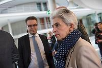 5. Sitzung des Unterausschusses des Verteidigungsausschusses des Deutschen Bundestag als 1. Untersuchungsausschuss am Donnerstag den 21. Maerz 2019.<br /> In dem Untersuchungsausschuss soll auf Antrag der Fraktionen von FDP, Linkspartei und Buendnis 90/Die Gruenen der Umgang mit externer Beratung und Unterstuetzung im Geschaeftsbereich des Bundesministeriums fuer Verteidigung aufgeklaert werden. Anlass der Untersuchung sind Berichte des Bundesrechnungshofs ueber Rechts- und Regelverstoesse im Zusammenhang mit der Nutzung derartiger Leistungen.<br /> Einziger Tagesordnungspunkt war die Konstituierung des Unterausschusses als Untersuchungsausschuss.<br /> Im Bild: Marie-Agnes Strack-Zimmermann, Obfrau der Freien Demokraten, FDP.<br /> Links: Tobias Lindner, Obmann von Buendnis 90/DieGruenen.<br /> 21.3.2019, Berlin<br /> Copyright: Christian-Ditsch.de<br /> [Inhaltsveraendernde Manipulation des Fotos nur nach ausdruecklicher Genehmigung des Fotografen. Vereinbarungen ueber Abtretung von Persoenlichkeitsrechten/Model Release der abgebildeten Person/Personen liegen nicht vor. NO MODEL RELEASE! Nur fuer Redaktionelle Zwecke. Don't publish without copyright Christian-Ditsch.de, Veroeffentlichung nur mit Fotografennennung, sowie gegen Honorar, MwSt. und Beleg. Konto: I N G - D i B a, IBAN DE58500105175400192269, BIC INGDDEFFXXX, Kontakt: post@christian-ditsch.de<br /> Bei der Bearbeitung der Dateiinformationen darf die Urheberkennzeichnung in den EXIF- und  IPTC-Daten nicht entfernt werden, diese sind in digitalen Medien nach §95c UrhG rechtlich geschuetzt. Der Urhebervermerk wird gemaess §13 UrhG verlangt.]