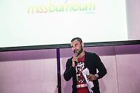SÃO PAULO, SP, 10.11.2015 - Cacau Oliver organizador do evento durante a quinta edição do concurso Miss Bumbum no bairro de Perdizes na região oeste da cidade de São Paulo na noite de ontem segunda-feira, 09. (Foto: William Volcov/Brazil Photo Press)