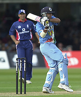 .29/06/2002.Sport - Cricket - .NatWest triangler Series England - Sri Lanka - India.England vs india 50 overs.  Lord's ground.Rahul Dravid and Yuvraj Singh..