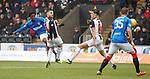 03.11.2018: St Mirren v Rangers: Ovie Ejaria shoots