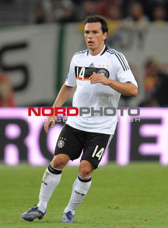 Fussball, L&auml;nderspiel, WM 2010 Qualifikation Gruppe 4  14. Spieltag<br />  Deutschland (GER) vs. Finnland ( FIN ) 1:1 ( 0:1 )<br /> <br /> Piotr Trochowski ( Ger / Hamburger SV #14<br /> <br /> Foto &copy; nph (  nordphoto  )