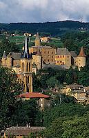Europe/France/Rhône-Alpes/69/Rhône/Jarnioux: L'église, le Château et le vignoble du Beaujolais