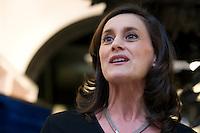 Margerie Barbes-Petit parle lors de la journée de la femme au pop-up store Guerlain, Paris, le 8 mars 2012. Photo : Lucas Schifres/Pictobank