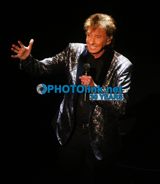 Barry Manilow 8/4/2019 at the Lunt-Fontaine Theater during his Manilow on Broadway show, Photo By John Barrett/PHOTOlinkBarry Manilow 8/4/2019 at the Lunt-Fontaine Theater during his Manilow on Broadway show, Photo By John Barrett/PHOTOlink