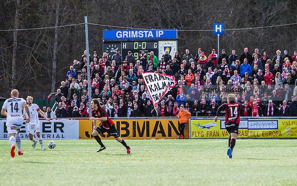 V&auml;llingby 2014-03-30 Fotboll Allsvenskan IF Brommapojkarna - Kalmar FF :  <br /> Kalmars supportrar p&aring; bortal&auml;ktaren p&aring; Grimsta IP under matchen<br /> (Foto: Kenta J&ouml;nsson) Nyckelord:  BP Brommapojkarna Grimsta Kalmar KFF supporter fans publik supporters