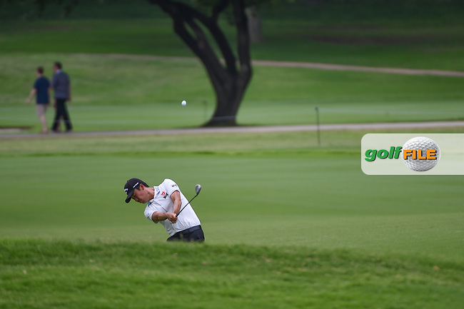 Kevin Na (USA) hits his approach shot on 2 during round 3 of the 2019 Charles Schwab Challenge, Colonial Country Club, Ft. Worth, Texas,  USA. 5/25/2019.<br /> Picture: Golffile | Ken Murray<br /> <br /> All photo usage must carry mandatory copyright credit (© Golffile | Ken Murray)