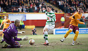 :: MOTHERWELL'S DARREN RANDOLPH SAVES AT THE FEET OF CELTIC'S GARY HOOPER ::