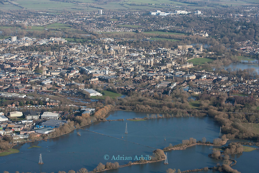 Oxford in  flood . <br /> View from Hinksey hill towards Osney mead industrial estate LHS towards Oxford  and Oxpens  showing the Thames in flood