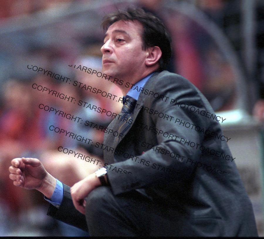 kosarka, hemofarm, trener, zeljko lukajic&amp;#xA;vrsac; 15.04.2003&amp;#xA;foto: djordje popovic<br />
