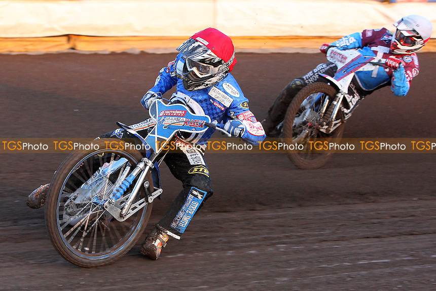 Heat 2: Stachyra (red) ahead of Hurry - Ipswich Witches vs Lakeside Hammers - Sky Sports Elite League Speedway at Foxhall Stadium - 13/05/10 - MANDATORY CREDIT: Gavin Ellis/TGSPHOTO - Self billing applies where appropriate - Tel: 0845 094 6026