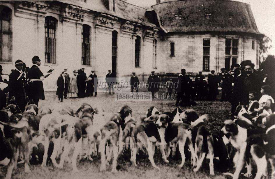 Europe/France/Centre/41/Loir-et-Cher/Sologne/Romorantin-Lanthenay : Carte postale - Scène de chasse en Sologne - Collection du musée de Sologne