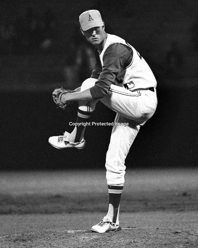 Oakland A's pitcher Ed Sprauge..(1969 photo/Ron Riesterer)