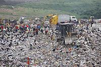 Ananindeua, Pará. Retranca: Lixão do Aurá. Gancho: Aqui eram despejados 1800 toneladas de lixo produzidos diariamente pelas de 450 mil residências de Belém e Ananindeua. Local: Aurá - Ananindeua - Pará. Foto: Mauro Ângelo. Data: 25/01/2013.