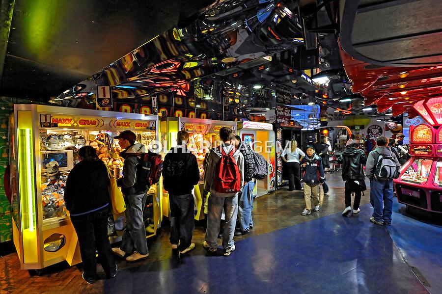 Clube de jogos eletrônicos. Londres. Inglaterra. 2008. Foto de Juca Martins.