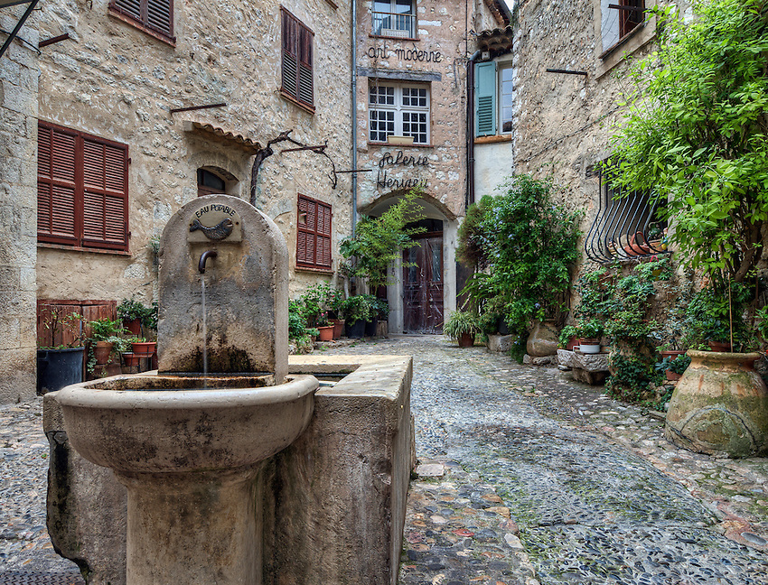 "Courtyard with fountain, known as ""La Placette"", Saint Paul de Vence"