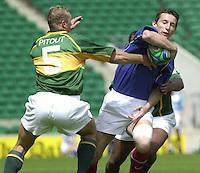 24/05/2002 (Friday).Sport -Rugby Union - London Sevens.South Africa vs France[Mandatory Credit, Peter Spurier/ Intersport Images].