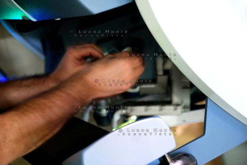 - Milano, Istituto Europeo di Oncologia (IEO). Operazione chirurgica effettuata con il robot Da Vinci...<br /> - Milan, Oncology European Institut. The robot Da Vinci Surgical System.