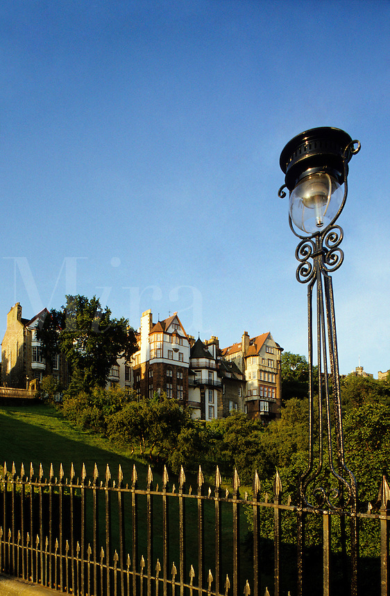 Edinburgh.  Ramsay Gardens and The Mound from Princes Street. Scotland..