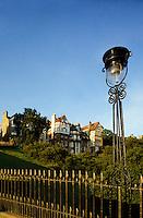 Edinburgh.  Ramsay Gardens and The Mound from Princes Street. Scotland..