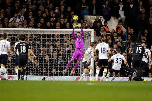 30.11.2014.  London, England. Premier League. Tottenham Hotspur versus Everton.  Tottenham Hotspur's Hugo Lloris makes a save