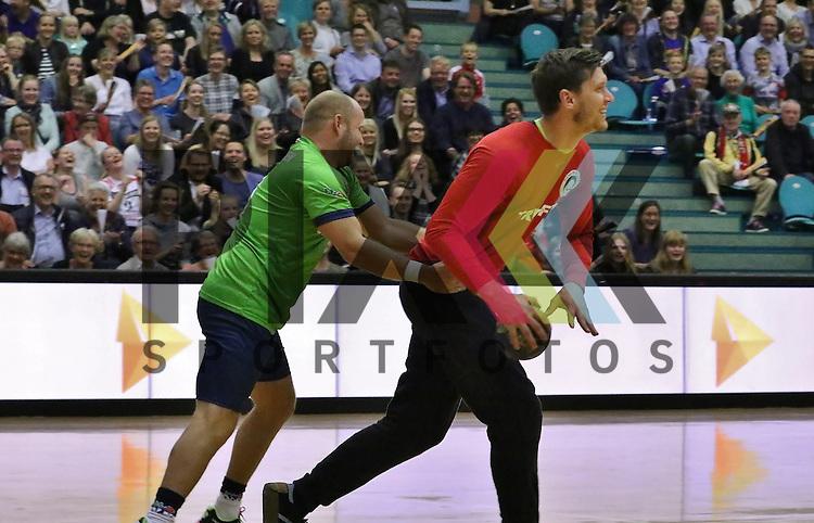 Kolding, 15.06.15, Sport, Handball, Allstar Game, Verabschiedung Lasse Boesen, EM Guld 2008 hold vs. Lasse Boesen All stars : Lars Rasmussen (EM Guld 2008, #08), Nicklas Landin (Lasse Boesen All stars, #12)<br /> <br /> Foto &copy; P-I-X.org *** Foto ist honorarpflichtig! *** Auf Anfrage in hoeherer Qualitaet/Aufloesung. Belegexemplar erbeten. Veroeffentlichung ausschliesslich fuer journalistisch-publizistische Zwecke. For editorial use only.