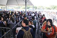 SAO PAULO, SP - 08.07.2016 - EVENTO-SP - Fans de anima&ccedil;&otilde;es e cultura pop japonesa se vestem como seus personagens favoritos durante a edi&ccedil;&atilde;o 2016 do Anime Friends no Campo de Marte, zona norte de S&atilde;o Paulo nesta sexta-feira, 08. Este &eacute; o maior evento do g&ecirc;nero no pa&iacute;s e conta com atra&ccedil;&otilde;es internacionais de s&eacute;ries e anima&ccedil;&otilde;es japonesas al&eacute;m de concursos para entreter o p&uacute;blico.<br /> (Foto: Fabricio Bomjardim / Brazil Photo Press)