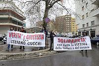 Roma, 17 Gennaio 2013.Piazzale Clodio, tribunale di Roma.Presidio per chiedere verità e giustizia per Stefano Cucchi, contro la dichiarazione dei periti del  tribunale che affermano Cucchi morì per incuria dei medici..