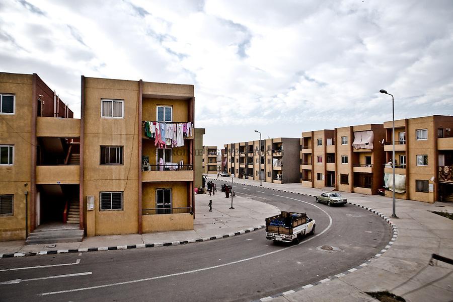 EGYPT, 6 of October City: &quot;The family home&quot; situated on the 6th district of 6 of October City is the area where the majority of Syrian refugees in Cairo are based. <br /> <br /> EGYPTE, Ville du 6 octobre: le quartier &quot;La maison de famille&quot; situ&eacute; dans  6&egrave;me arrondissement de la ville du 6 octobre est la r&eacute;gion o&ugrave; la majorit&eacute; des r&eacute;fugi&eacute;s syriens du Caire sont bas&eacute;s.