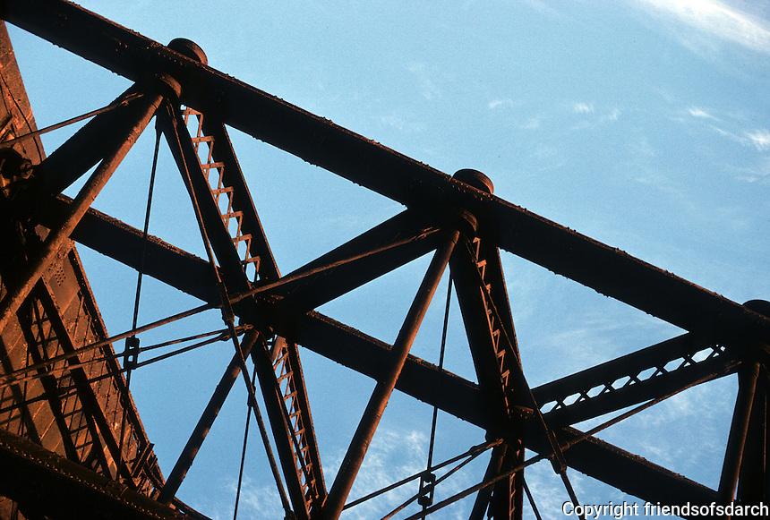 St. Louis: Eads Bridge.