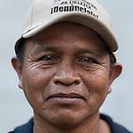 24 noviembre 2014. <br /> Elias Coc Choc Representante de los pueblos ind&iacute;genas a nivel municipal, en Cob&aacute;n, Guatemala.<br /> La llegada de algunas compa&ntilde;&iacute;as extranjeras a Am&eacute;rica Latina ha provocado abusos a los derechos de las poblaciones ind&iacute;genas y represi&oacute;n a su defensa del medio ambiente. En Santa Cruz de Barillas, Guatemala, el proyecto de la hidroel&eacute;ctrica espa&ntilde;ola Ecoener ha desatado cr&iacute;menes, violentos disturbios, la declaraci&oacute;n del estado de sitio por parte del ej&eacute;rcito y la encarcelaci&oacute;n de una decena de activistas contrarios a los planes de la empresa. Un grupo de ind&iacute;genas mayas, en su mayor&iacute;a mujeres, mantiene cortado un camino y ha instalado un campamento de resistencia para que las m&aacute;quinas de la empresa no puedan entrar a trabajar. La persecuci&oacute;n ha provocado adem&aacute;s que algunos ecologistas, con &oacute;rdenes de busca y captura, hayan tenido que esconderse durante meses en la selva guatemalteca.<br /> <br /> En Cob&aacute;n, tambi&eacute;n en Guatemala, la hidroel&eacute;ctrica Renace se ha instalado con amenazas a la poblaci&oacute;n y falsas promesas de desarrollo para la zona. Como en Santa Cruz de Barillas, el proyecto ha dividido y provocado enfrentamientos entre la poblaci&oacute;n. La empresa ha cortado el acceso al r&iacute;o para miles de personas y no ha respetado la estrecha relaci&oacute;n de los ind&iacute;genas mayas con la naturaleza. &copy;Calamar2/ Pedro ARMESTRE<br /> <br /> The arrival of some foreign companies to Latin America has provoked abuses of the rights of indigenous peoples and repression of their defense of the environment. In Santa Cruz de Barillas, Guatemala, the project of the Spanish hydroelectric Ecoener has caused murders, violent riots, the declaration of a state of siege by the army and the imprisonment of a dozen activists opposed to the project . <br /> A group of Mayan Indians, mostly 