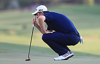 Dustin Rose (ENG) on the 18th green during Round 4 of the DP World Tour Championship 2017, at Jumeirah Golf Estates, Dubai, United Arab Emirates. 19/11/2017<br /> Picture: Golffile | Thos Caffrey<br /> <br /> <br /> All photo usage must carry mandatory copyright credit     (© Golffile | Thos Caffrey)